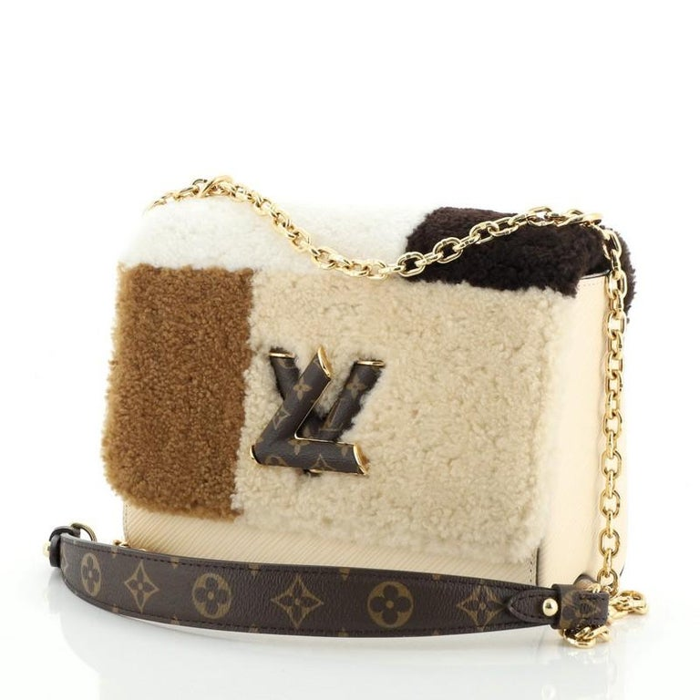 Louis Vuitton Twist Handbag Teddy Fleece with Epi Leather MM In Good Condition For Sale In New York, NY