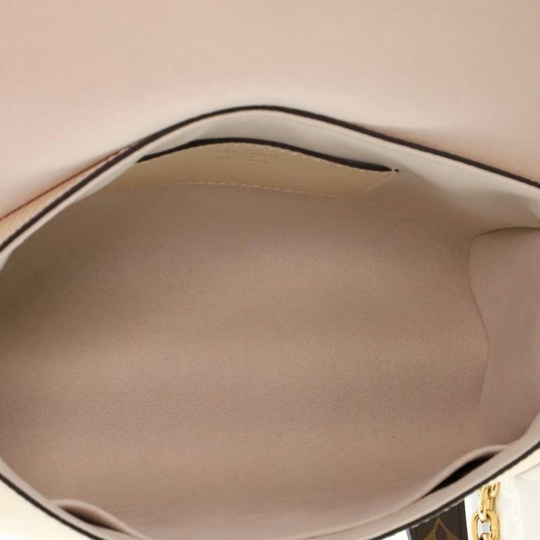 Louis Vuitton Twist Handbag Teddy Fleece with Epi Leather MM For Sale 2