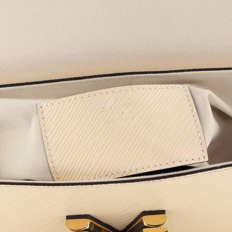 Louis Vuitton Twist Handbag Teddy Fleece with Epi Leather MM For Sale 3