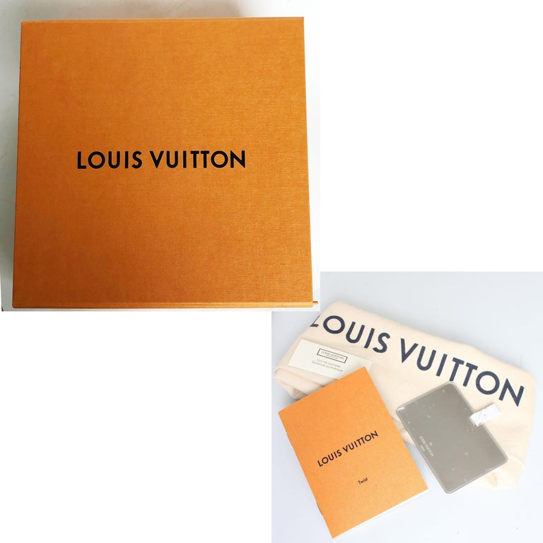 Louis Vuitton Twist PM Bag White Epi Leather New In Box  For Sale 9