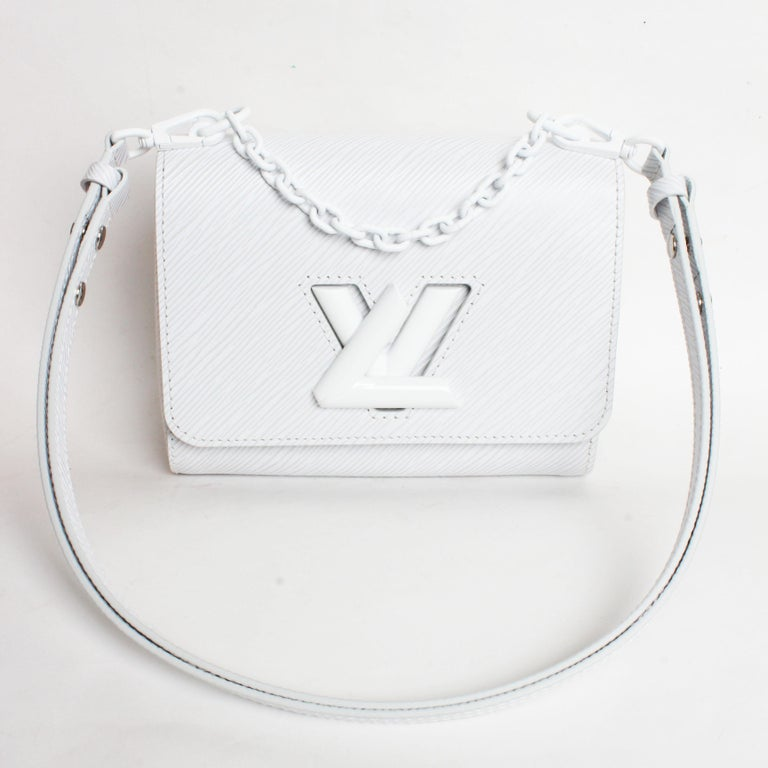 Louis Vuitton Twist PM Bag White Epi Leather New In Box  In New Condition For Sale In Port Saint Lucie, FL