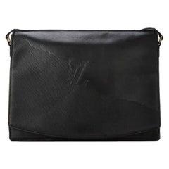 Louis Vuitton (Ultra Rare) Opera 7lr0705 Black Leather Messenger Bag