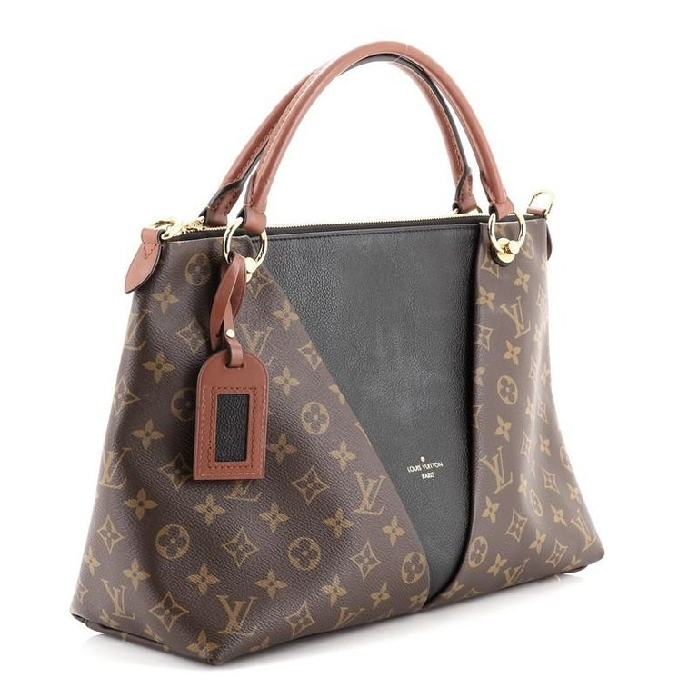 Louis Vuitton V Tote Monogram Canvas and Leather MM In Good Condition For Sale In New York, NY