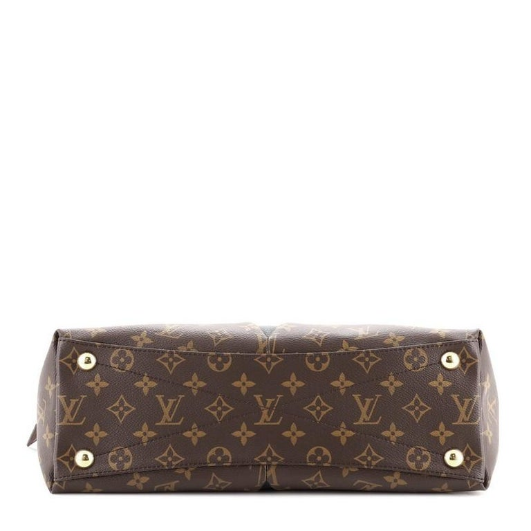 Louis Vuitton V Tote Monogram Canvas and Leather MM For Sale 1