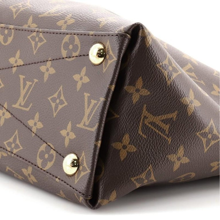 Louis Vuitton V Tote Monogram Canvas and Leather MM For Sale 3