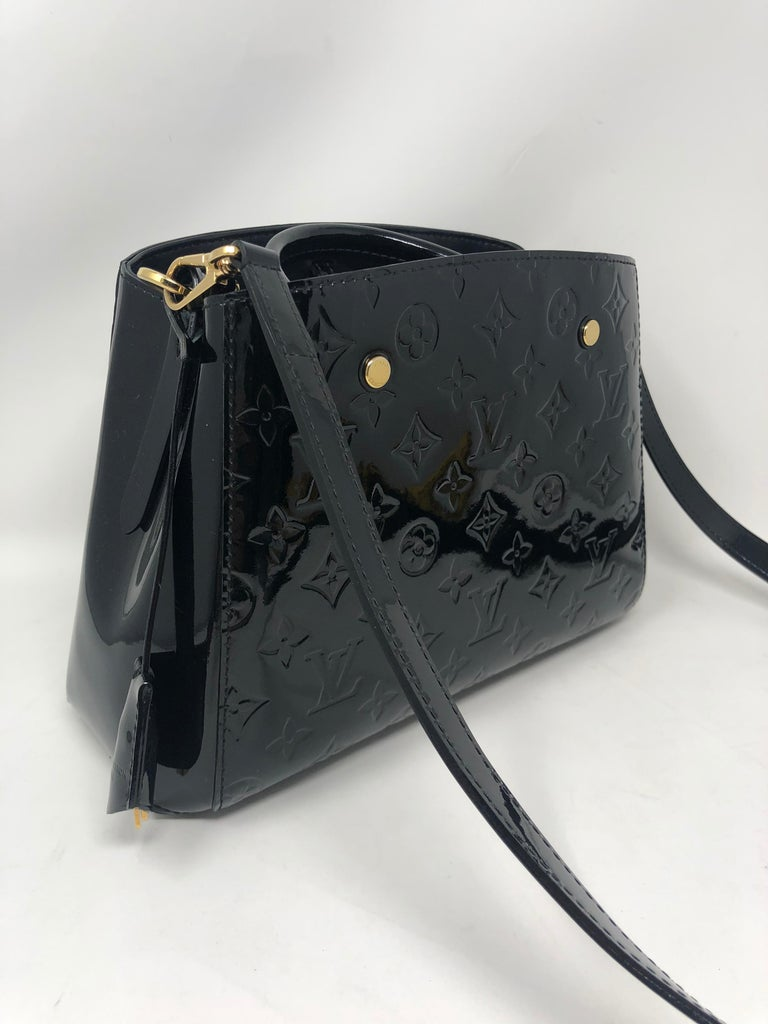 Louis Vuitton Vernis Black Montaigne BB Bag In Good Condition For Sale In Athens, GA