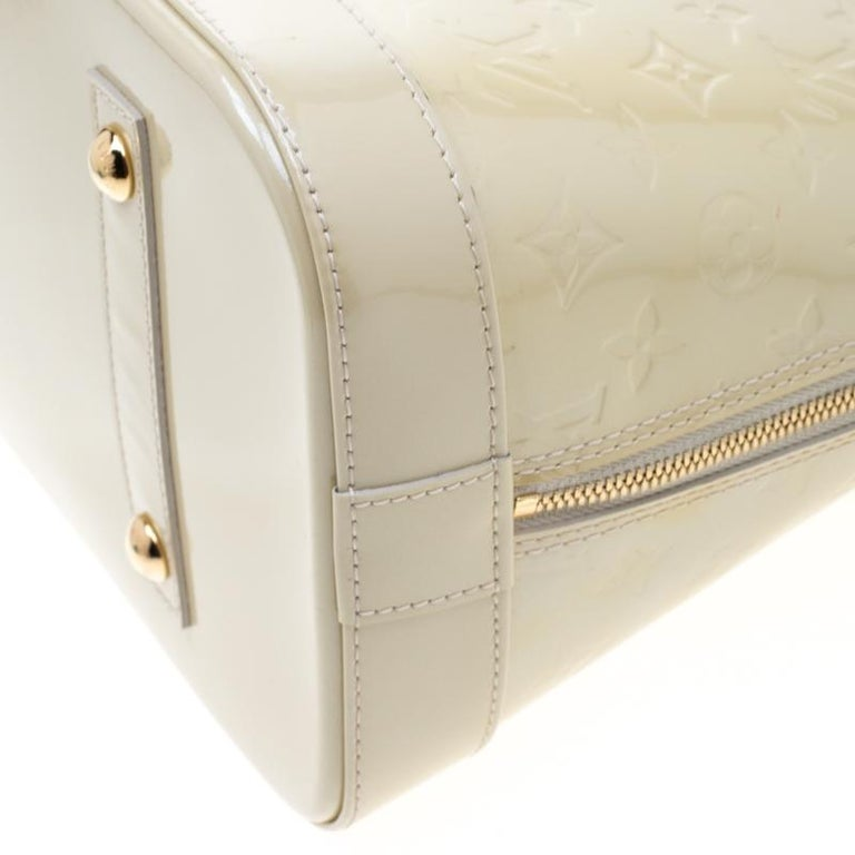 Louis Vuitton Vert Impression Monogram Vernis Alma GM Bag For Sale 1