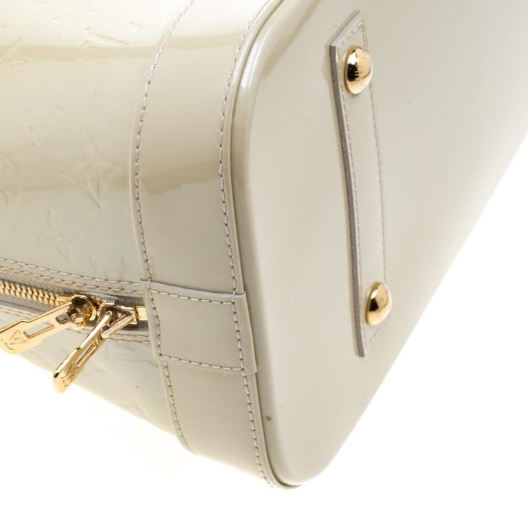 Louis Vuitton Vert Impression Monogram Vernis Alma GM Bag For Sale 2