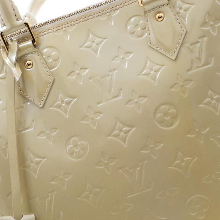 Louis Vuitton Vert Impression Monogram Vernis Alma GM Bag For Sale 4