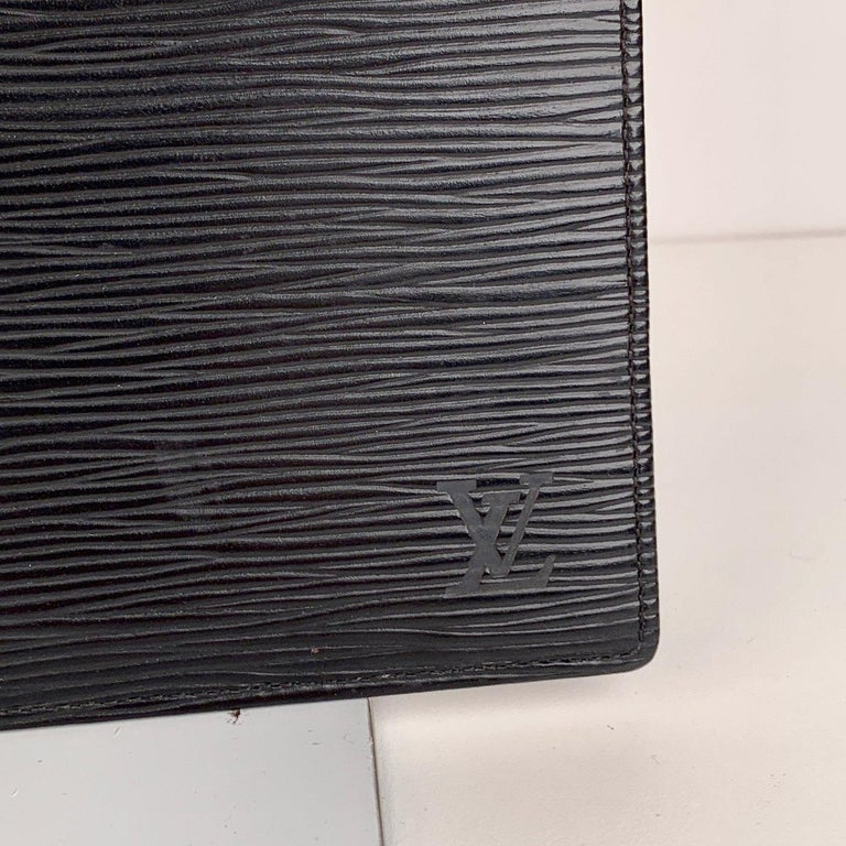 Louis Vuitton Vintage Black Epi Leather Long Card Wallet Ticket Holder In Good Condition For Sale In Rome, Rome
