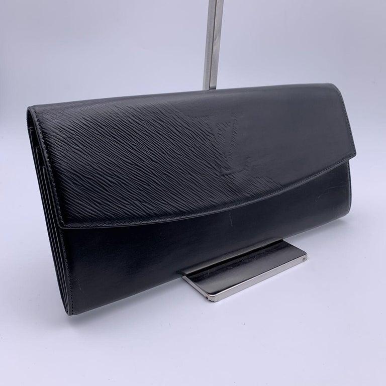 Women's Louis Vuitton Vintage Black Leather Opera Egee Clutch Bag For Sale