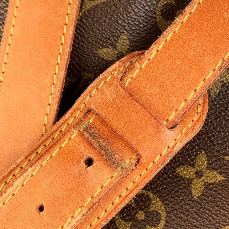 Women's Louis Vuitton Vintage Canvas Saumur 40 Messenger Shoulder Bag For Sale