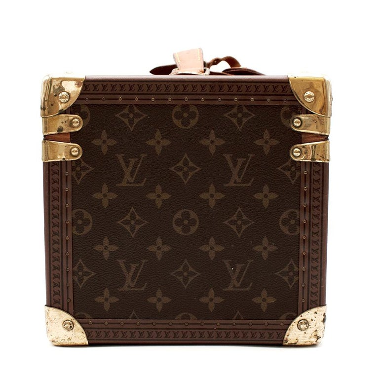 Louis Vuitton Vintage Monogram Beauty Vanity Trunk   - Padlock and Key - Leather Top Handle  - Solid Brass Corners - Additional and Removable Mini Vanity with Mirror Inside  - Light Brown Embossed Trimming with LV Logos    Material: - 100%