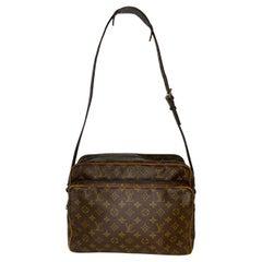 Louis Vuitton Vintage Monogram Canvas Crossbody Bag Nile GM