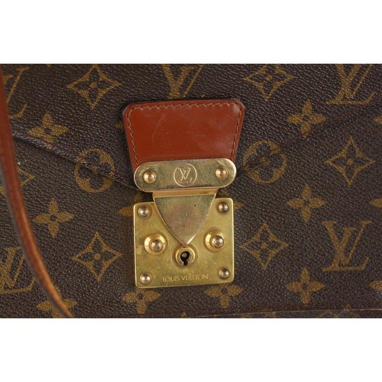 Louis Vuitton Vintage Monogram Canvas Monceau 28 Messenger Bag In Good Condition For Sale In Rome, Rome
