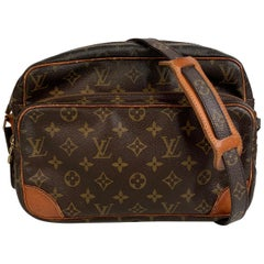 Louis Vuitton Vintage Monogram Canvas Nil Messenger Bag