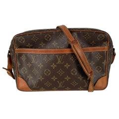 Louis Vuitton Vintage Monogram Canvas Trocadero 30 Messenger Bag