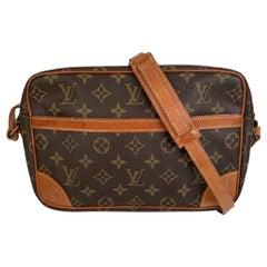 Louis Vuitton Vintage Monogram CanvasTrocadero 25 Crossbody Bag