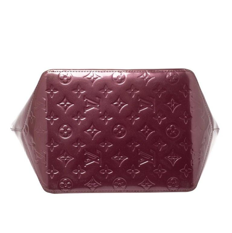 Louis Vuitton Violette Monogram Vernis Bellevue PM Bag In Good Condition In Dubai, Al Qouz 2