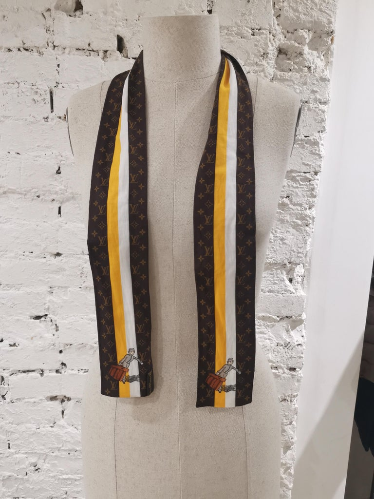 Louis Vuitton Voyage brown white orange scarf - foulard For Sale 2