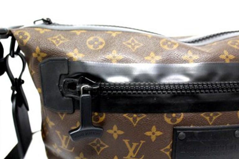 Men's Louis Vuitton Water-Proof Shoulder Bag in Monogram Canvas with Black Rubber For Sale