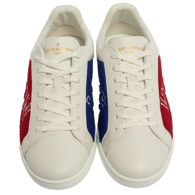 These Louis Vuitton sneakers for men come from their Luxembourg collection and showcases the label's brilliant craftsmanship in shoemaking. Made from white leather, the trainers feature terry fabric panels accented with the brand's name and the