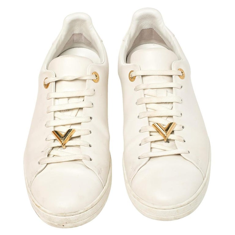 You'll love wearing these Frontrow sneakers from Louis Vuitton! The white sneakers are crafted from leather and feature round toes along with gold-tone logo accents on the lace-up vamps as well as on the midsoles. They come equipped with comfortable