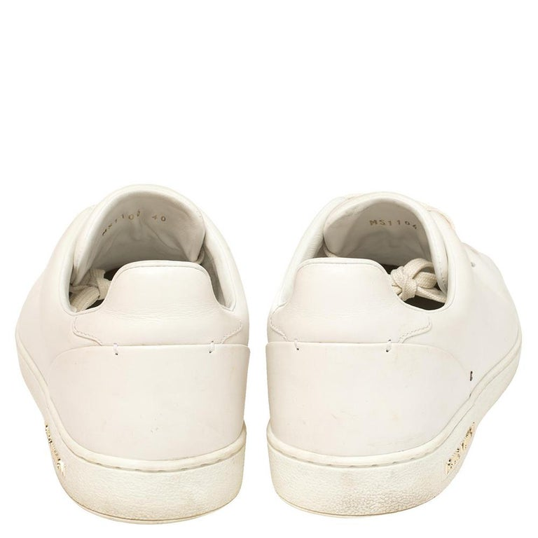 Louis Vuitton White Leather Frontrow Logo Embellished Lace Up Sneakers Size 40 In Good Condition For Sale In Dubai, Al Qouz 2