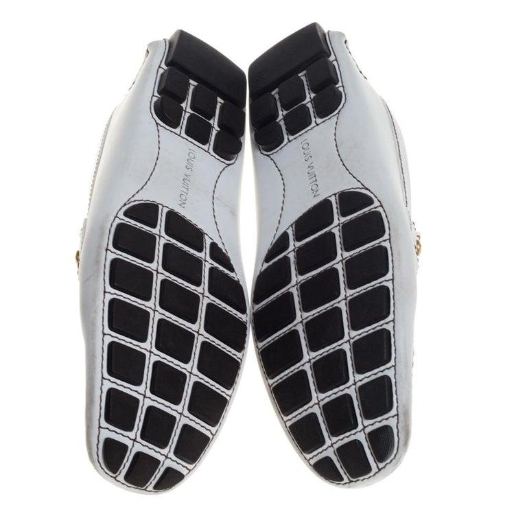Louis Vuitton White Leather Monte Carlo Loafers Size 42 In Good Condition In Dubai, Al Qouz 2