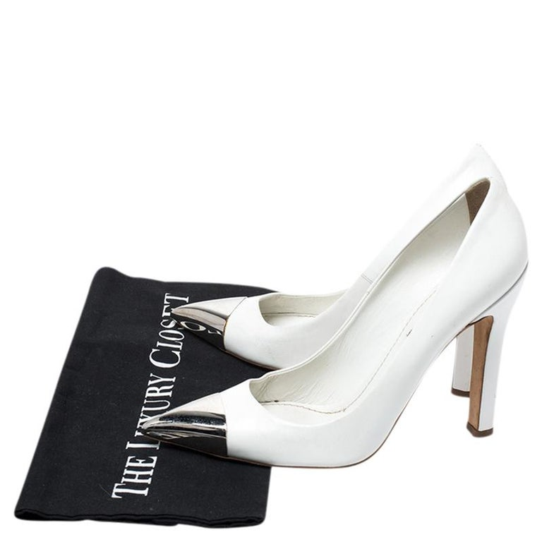 Louis Vuitton White Leather Urban Twist Pointed Toe Pumps Size 37.5 For Sale 4
