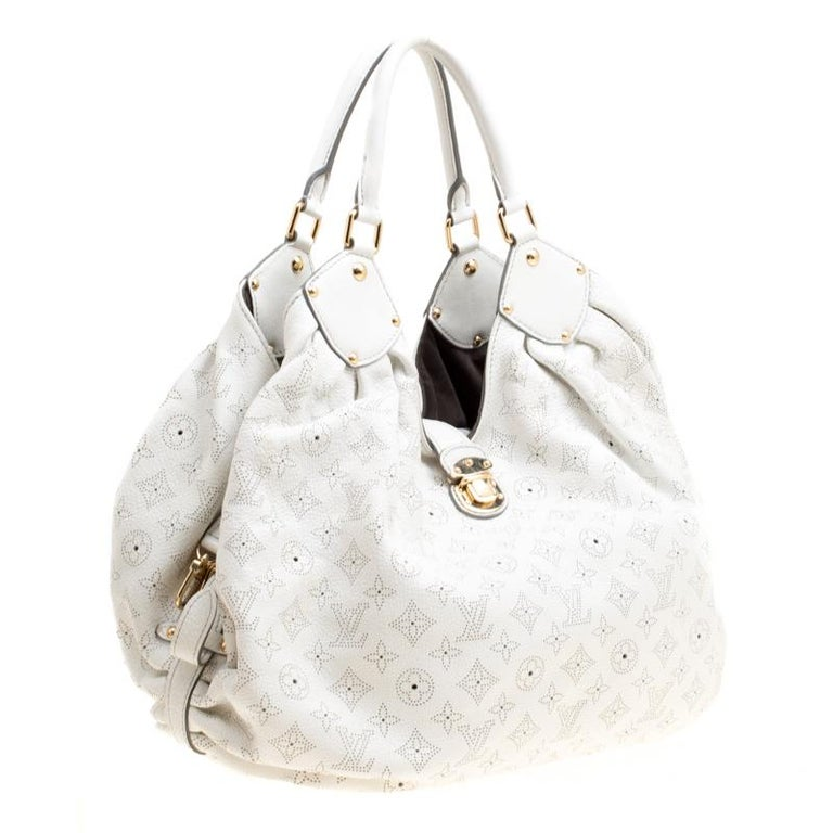 5b71c2f1942 Louis Vuitton White Monogram Mahina Leather XL Bag For Sale at 1stdibs