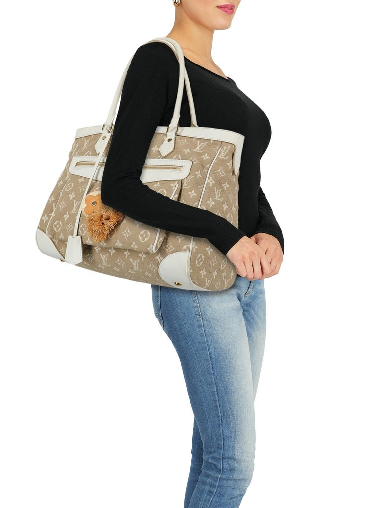 Bag, fabric, other patterns, monogram logo, gold-tone hardware, external pocket, internal zipped pocket, day bag  Includes: - Lock - Key - Clochette - Dust bag  Product Condition: Good  Lining: negligible residues, visible stains. Hardware: visible
