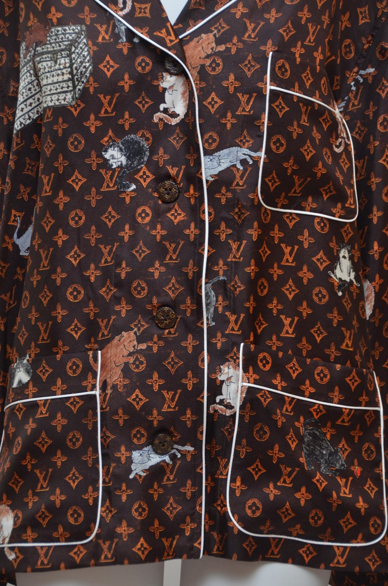 Women's or Men's LOUIS VUITTON X  Grace Coddington  Catogram  Silk Shirt   Size 40 New For Sale