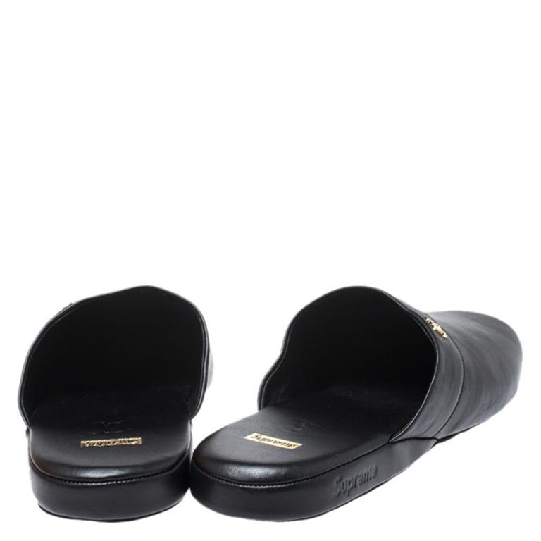 Men's Louis Vuitton x Supreme Black Leather Hugh Flat Slippers Size 39 For Sale