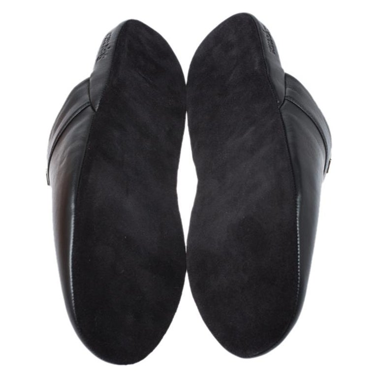 Louis Vuitton x Supreme Black Leather Hugh Flat Slippers Size 39 For Sale 1