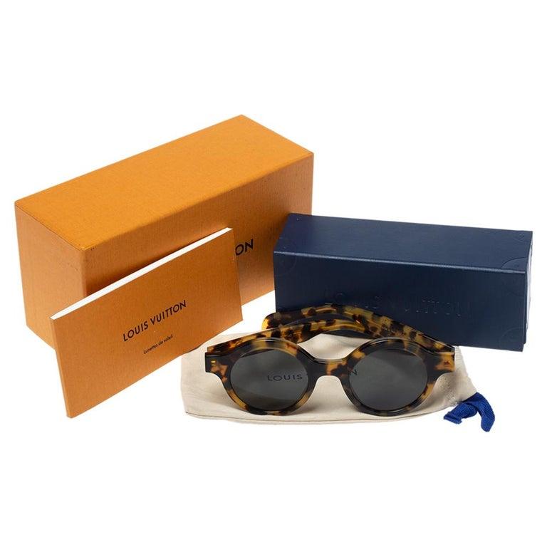 Louis Vuitton x Supreme Havana Brown / Grey Z0990W Downtown Round Sunglasses For Sale 2