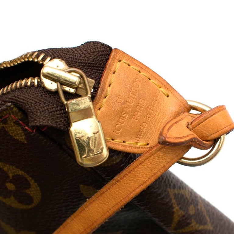 Louis Vuitton x Takashi Murakami Cherry Pochette Accessoires 12cm For Sale 2