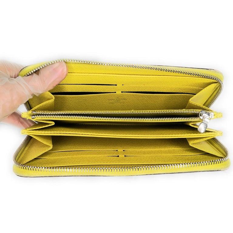 Louis Vuitton Yellow EPI Leather Zippy Wallet For Sale 1