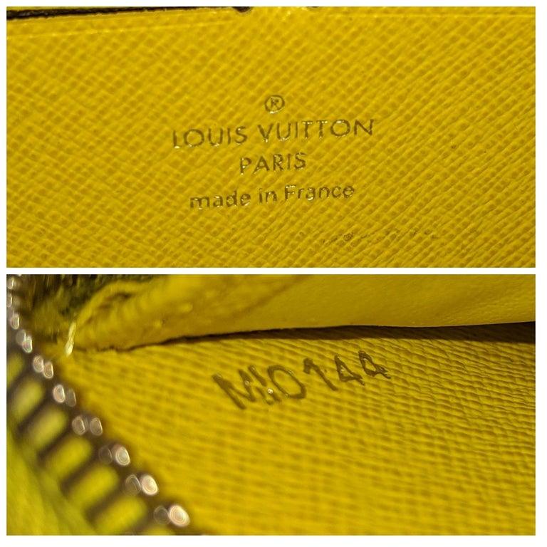 Louis Vuitton Yellow EPI Leather Zippy Wallet For Sale 3