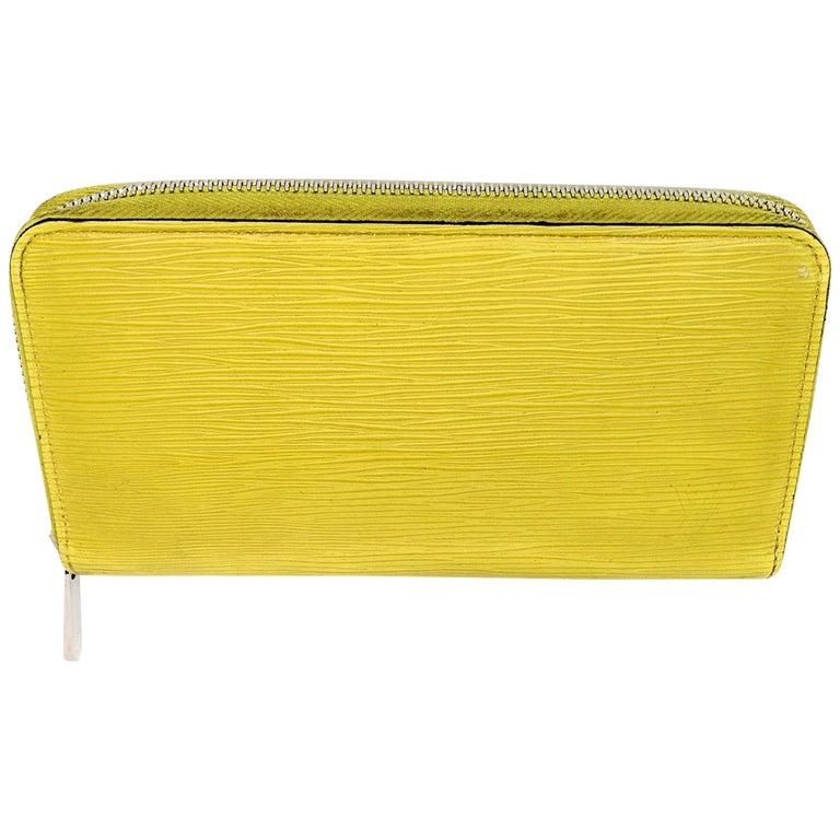 Louis Vuitton Yellow EPI Leather Zippy Wallet For Sale