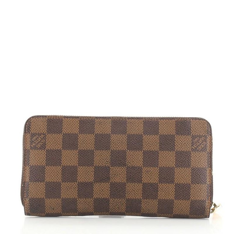 Louis Vuitton Zippy Wallet Damier In Good Condition For Sale In New York, NY