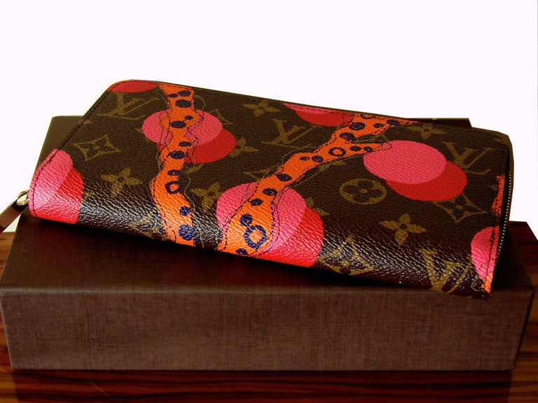 Louis Vuitton Zippy Wallet in Monogram Ramages 2015 Limited Edition New In Box In New Condition For Sale In Port Saint Lucie, FL