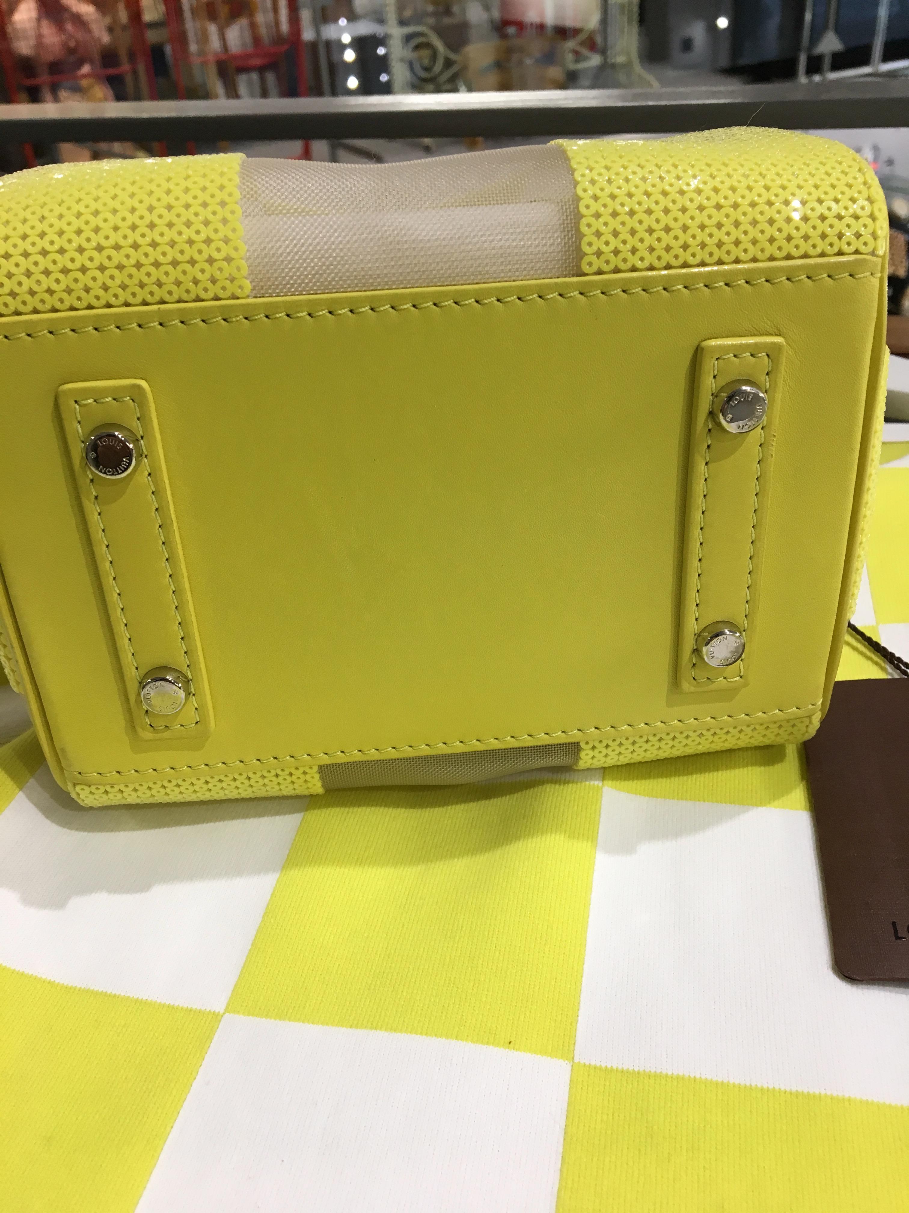 6dc26e15a28b Leather Chess Bag