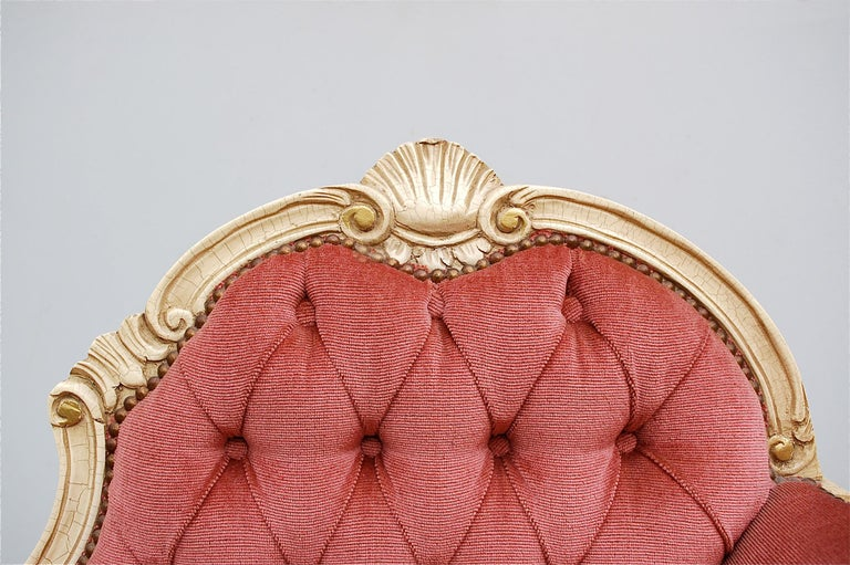 French Provincial Louis XIV Style Banquette in Dusty Pink, 1950s, France For Sale