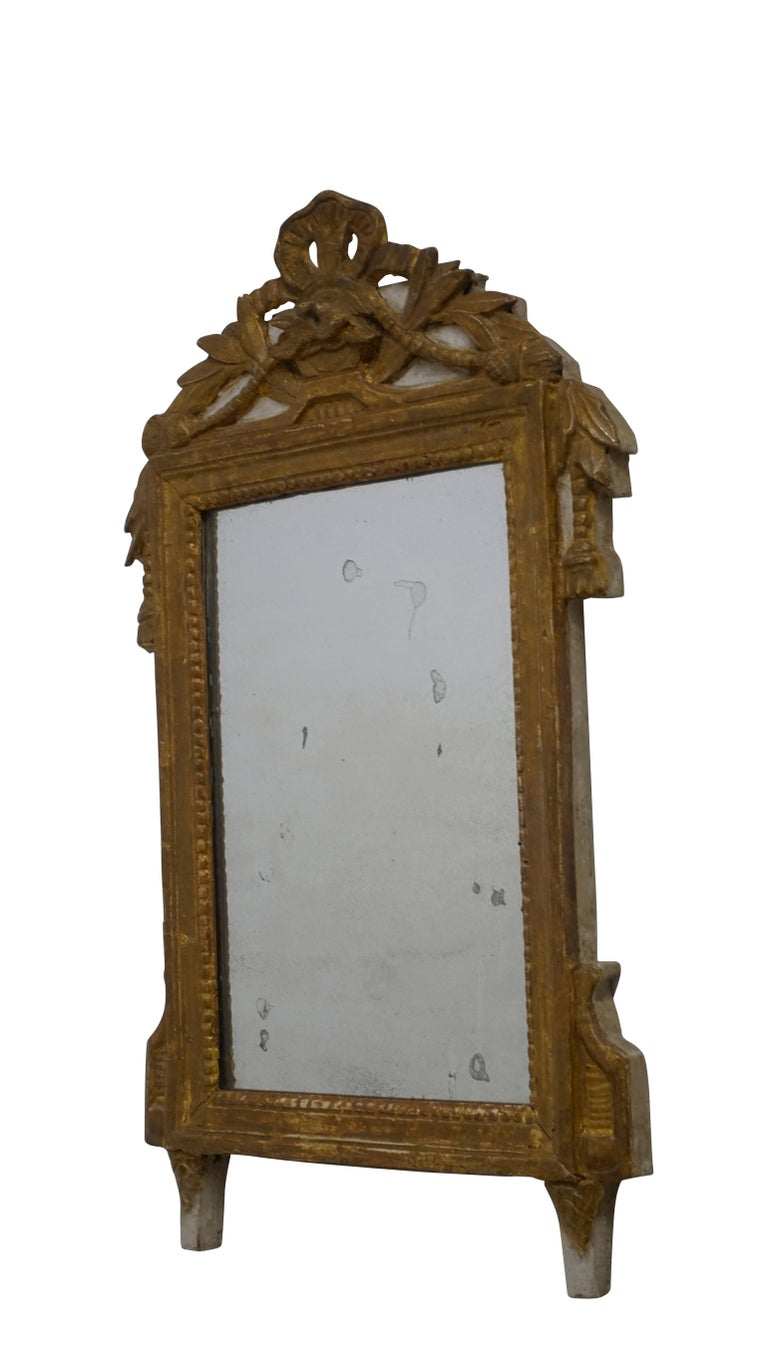 Louis XV Carved and Gilt Mirror, French, circa 1760 For Sale 1