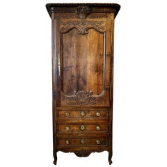 Louis XV Carved Bonnetier, Homme Debout, Cabinet, 18th Century