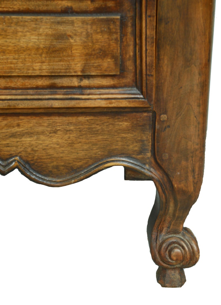 Louis XV Dome Top Walnut Armoire with Star Carved Crest, circa 1750 For Sale 1