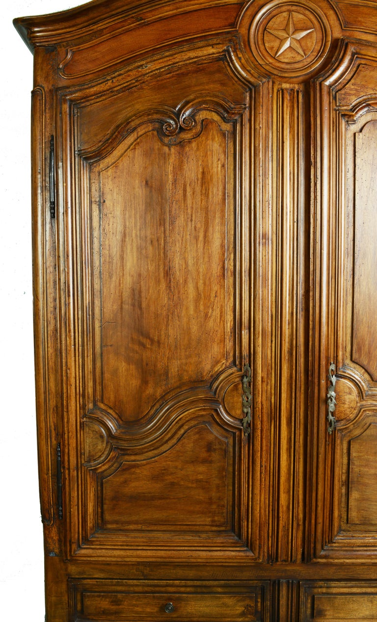 Louis XV Dome Top Walnut Armoire with Star Carved Crest, circa 1750 For Sale 2