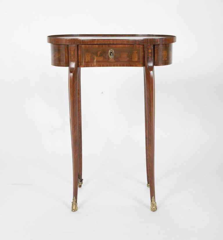 Louis XV Kidney Form Marquetry Table After Charles Topino In Good Condition For Sale In Port Chester, NY