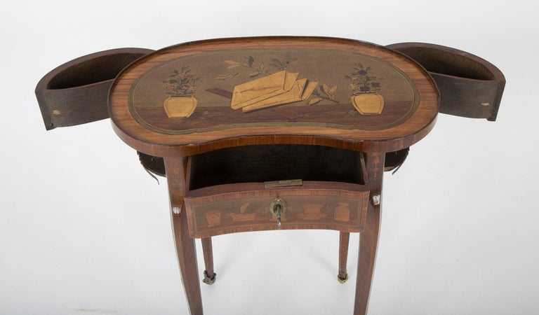 Late 18th Century Louis XV Kidney Form Marquetry Table After Charles Topino For Sale